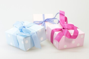 Gift ideas for expecting and new moms