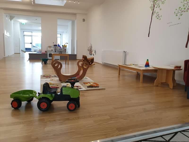 Eltern Kind Begleitung Indoor Playground & Play Group